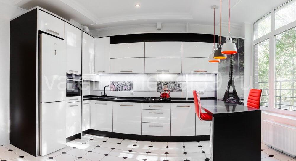 Дизайн угловой белой кухни