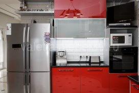 кухня с акриловыми фасадами от Валетта мебель, глянцевые кухни