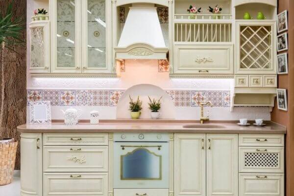 Эту кухню вы сможете увидеть в нашем салоне в ТЦ «Мега Мебель», 1 этаж. г. Калининград, ул. Генерал-лейтенанта Озерова, 17б