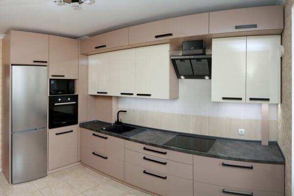 Кухня модерн цвета капучино