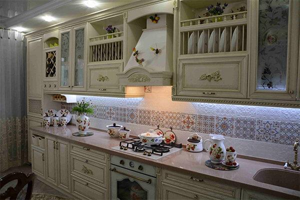 Классическая кухня в стиле Прованс